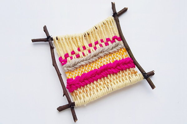 Weaving on a twig frame tutorial step 14