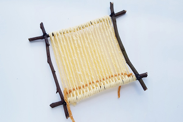 Weaving on a twig frame tutorial step 6