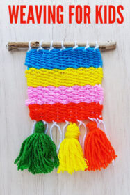 Weaving ideas for kids: Simple Yarn Weaving on a Cardboard Loom