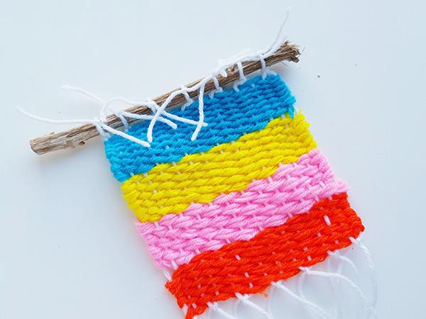 Simple kids weaving project